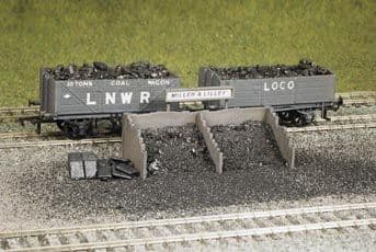 533 Ratio: TRACKSIDE BUILDINGS  Coal Staithes