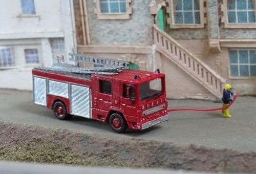 Arch Laser A3D070 N Gauge Dennis RS Fire Engine + fire fighter