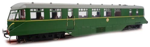 Heljan 1905 Scale: 1:43, O AEC Railcar BR Green W/Speed Whiskers (Grey Roof)