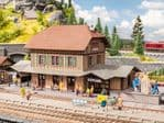 Noch 66007 Scale(s): 1:87 Scale, HO Scale HONAU STATION LASER CUT STRUCTURE KIT