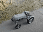 Springside RVT99 Scale: 1:76, OO Porsche Junior Tractor (1962) Whitemetal Kit