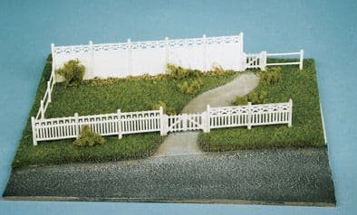 SS43 Wills: OO BUILDINGS KITS  Concrete fencing, 4 different types