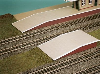 SS61 Wills: OO BUILDINGS KITS  Station Platform Sections, 264mm long